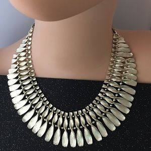 Jewelry - STUNNING METAL ART NECKLACE